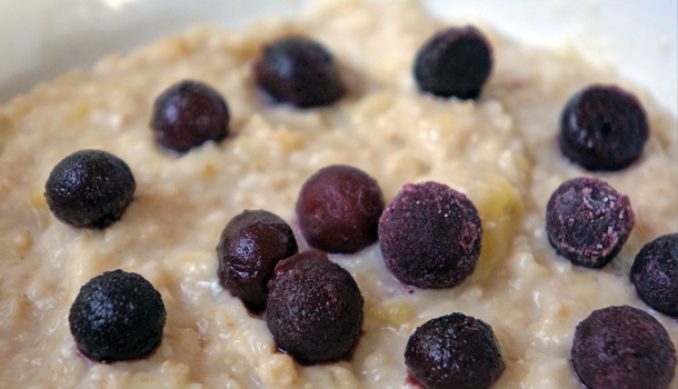Healthy Blueberry and banana oatmeal